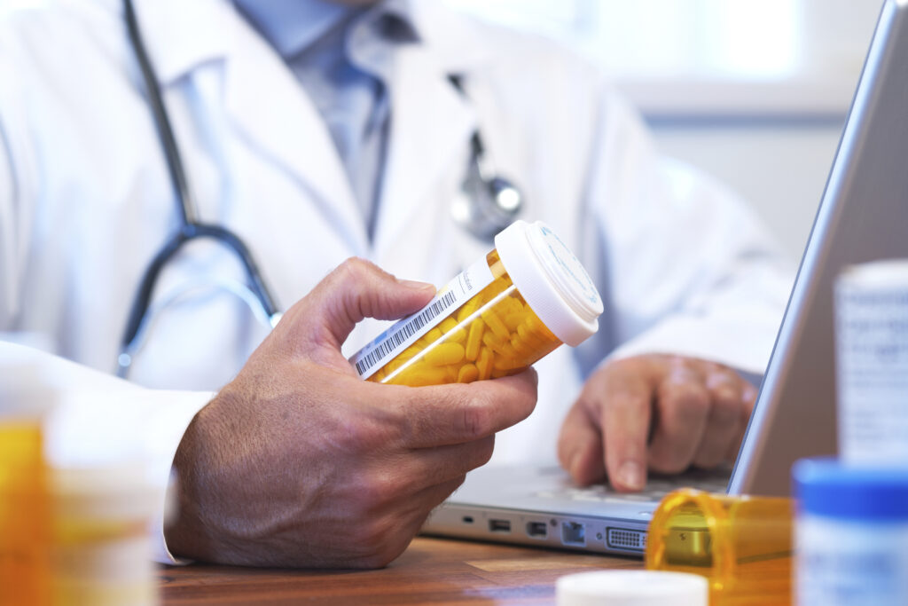 doctor-ordering-rx